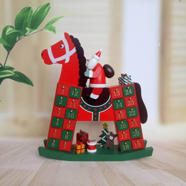 Calendario adviento caballo de madera