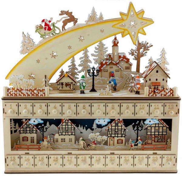 calendario de adviento con figuras de madera pintadas
